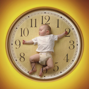the benefits in rising early and sleeping late The children who went to bed late and woke up late, and the children who went to bed early and woke up early got virtually the same amount of sleep in total, said co-author carol maher, phd, a.